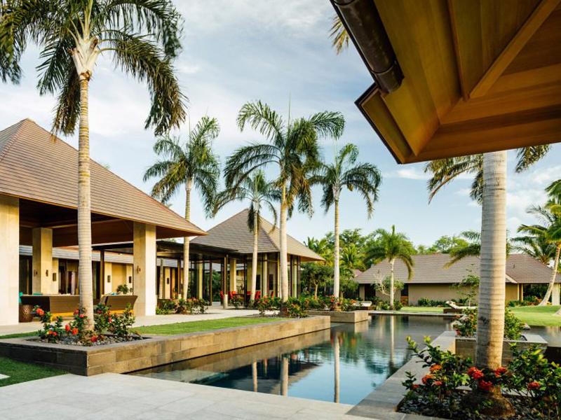 Công ty kiến trúc De Reus thiết kế nhà đẹp như một ngôi làng thu nhỏ ở Hawaii