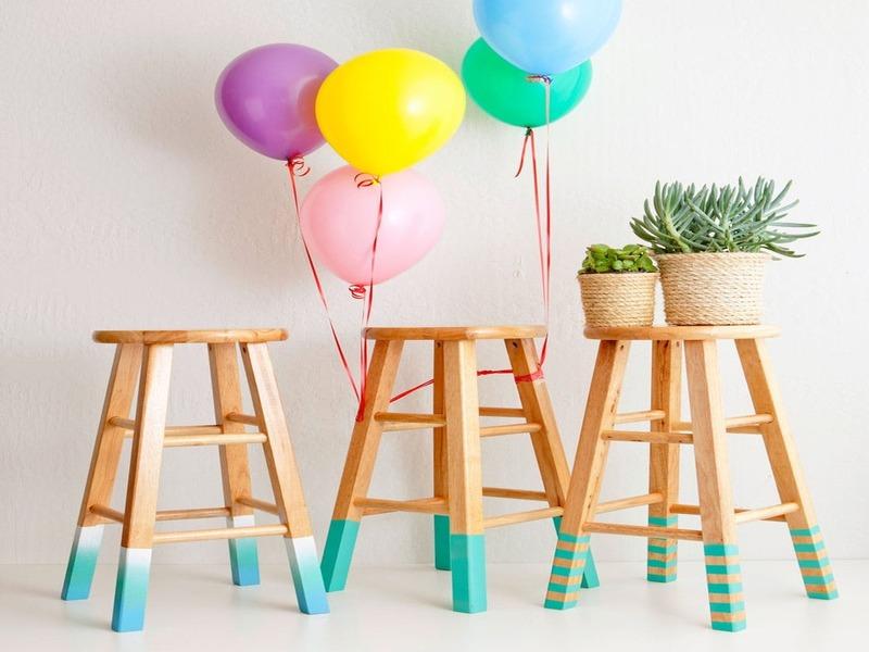 """DIY: tự tay làm ghế đẩu """"nhúng"""" sơn cực chất"""