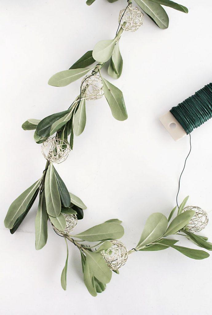 DIY - dây đèn trang trí từ lá olive - 3