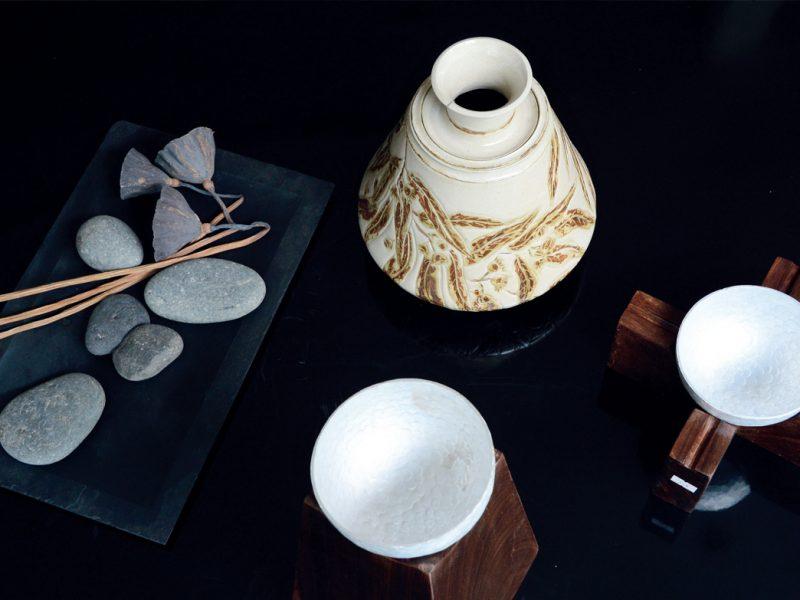 """""""Chơi với Gốm"""": Xem gốm hoa nâu của Trịnh Vũ Hiếu"""