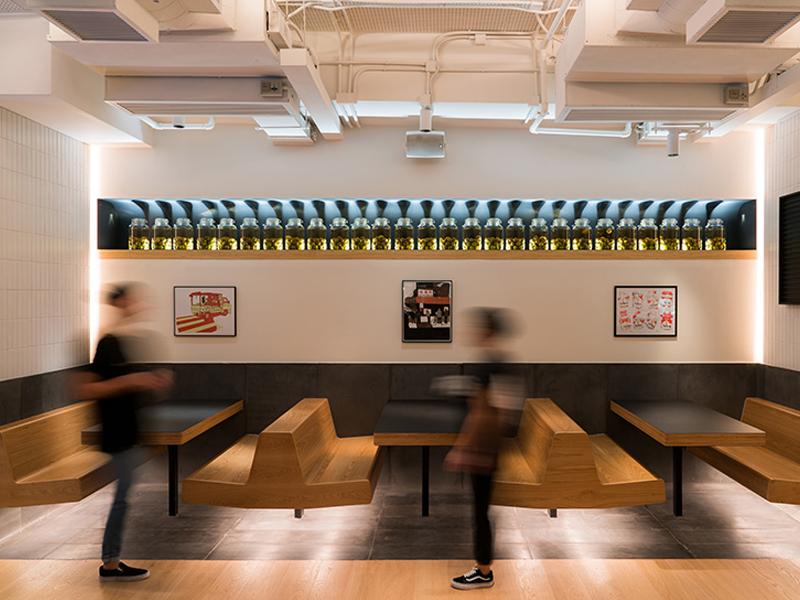 Nhà hàng Yardbird - Hơi thở Bauhaus giữa Hồng Kông