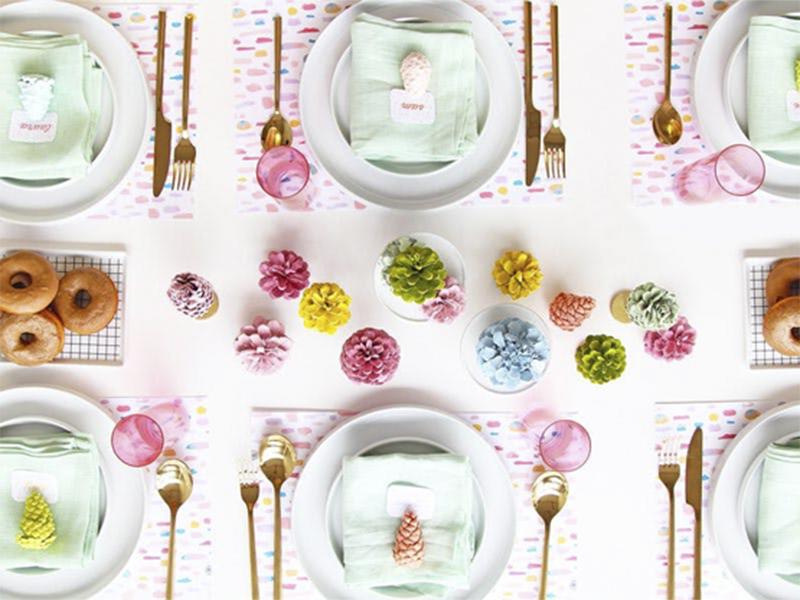 11 ý tưởng trang trí bàn tiệc đơn giản cho mùa lễ hội