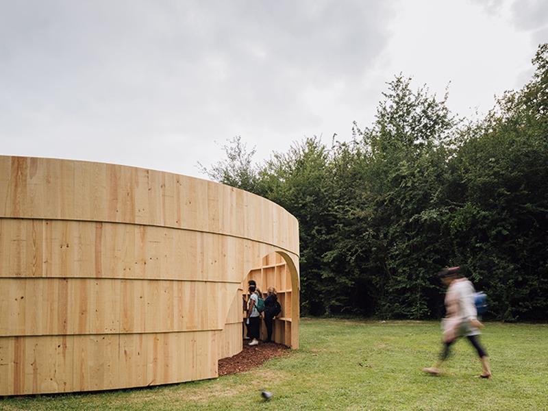Garden Pavilion-Khu chiếu phim hình tròn độc đáo của Diogo Aguiar