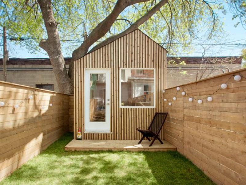 Studio kiến trúc nép ở cuối vườn tại Toronto