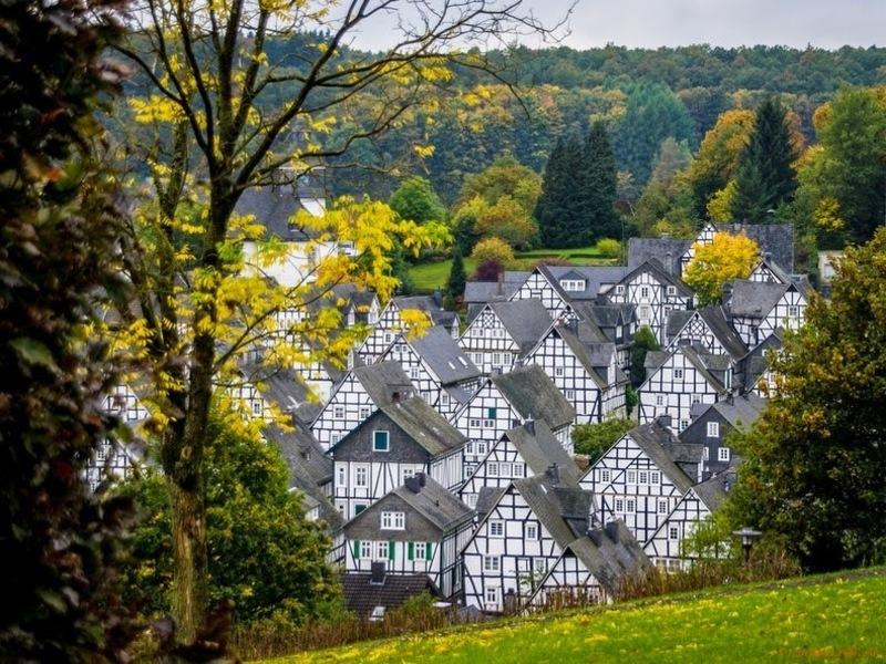 Freudenberg: ngôi làng cổ tích có nhà cửa giống hệt nhau