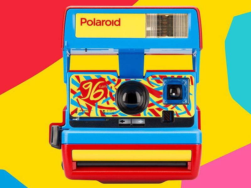 Máy ảnh Polaroid trở lại với nét hoài cổ rực rỡ