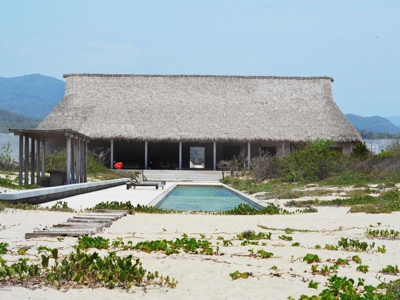 Casa Wabi: khu lưu trú nghệ sỹ với kiểu xây dựng trục la bàn, sát biển của Tadao Ando
