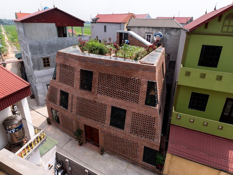 """Hang Gạch- ngôi nhà """"thuần"""" gạch nung ở ngoại ô Hà Nội của H&P architects"""