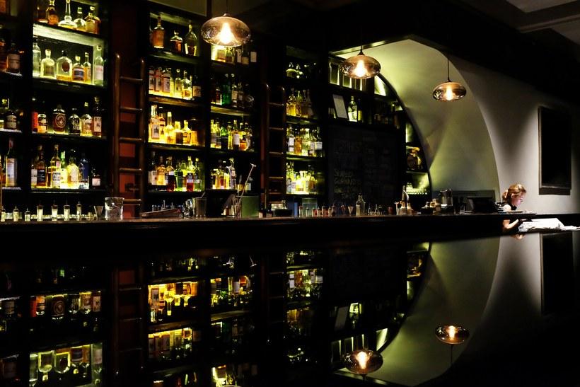 quán bar ở Singapore 7