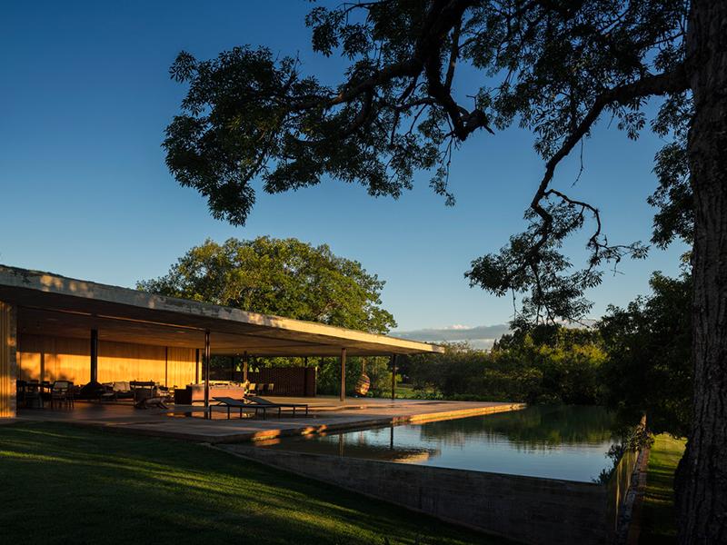 Planar House - Ngôi nhà ven hồ hoà vào thiên nhiên