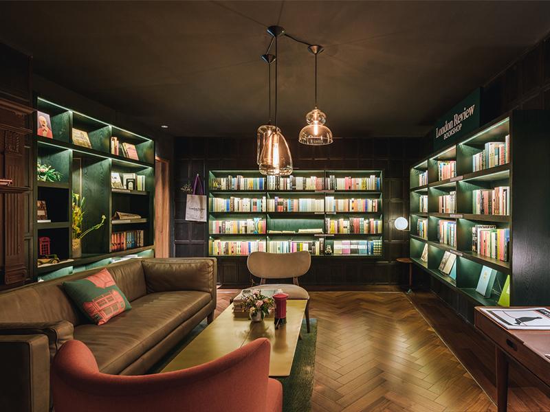 Sinan Books - Tham quan nhà sách đẹp, nổi bật sắc màu