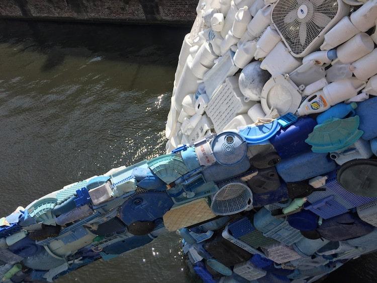 rác thải nhựa Bruges Whale- STUDIOKCA