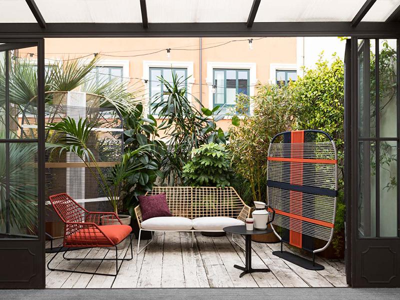 Saba Italia và bộ sưu tập nội thất sân vườn đầy sắc màu