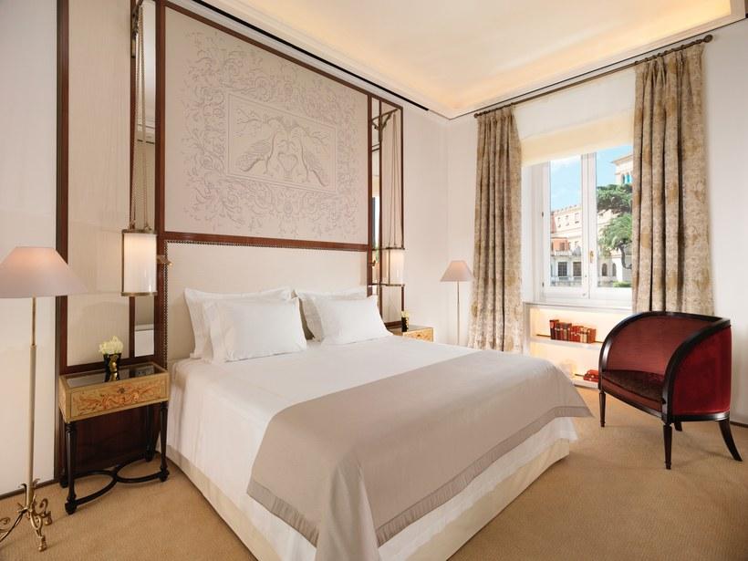 khách sạn Italy 5