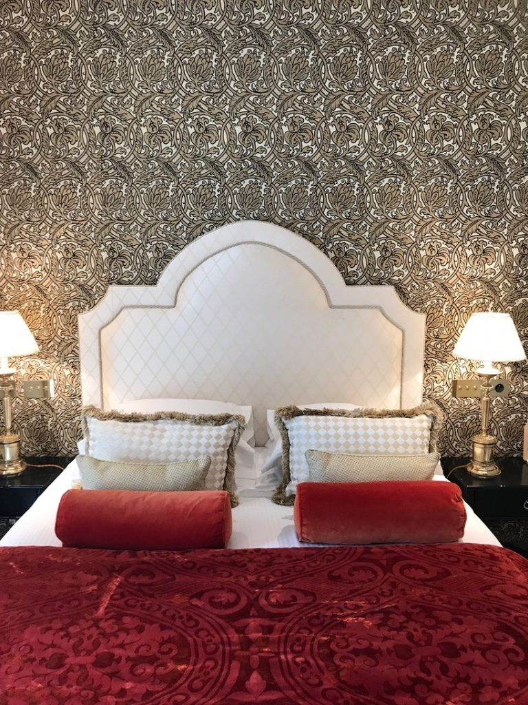 khách sạn Paris 8