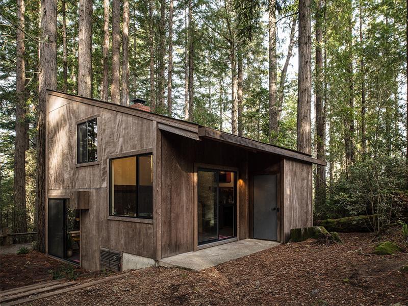 Khối di sản cũ - mới trong ngôi nhà gỗ giữa rừng