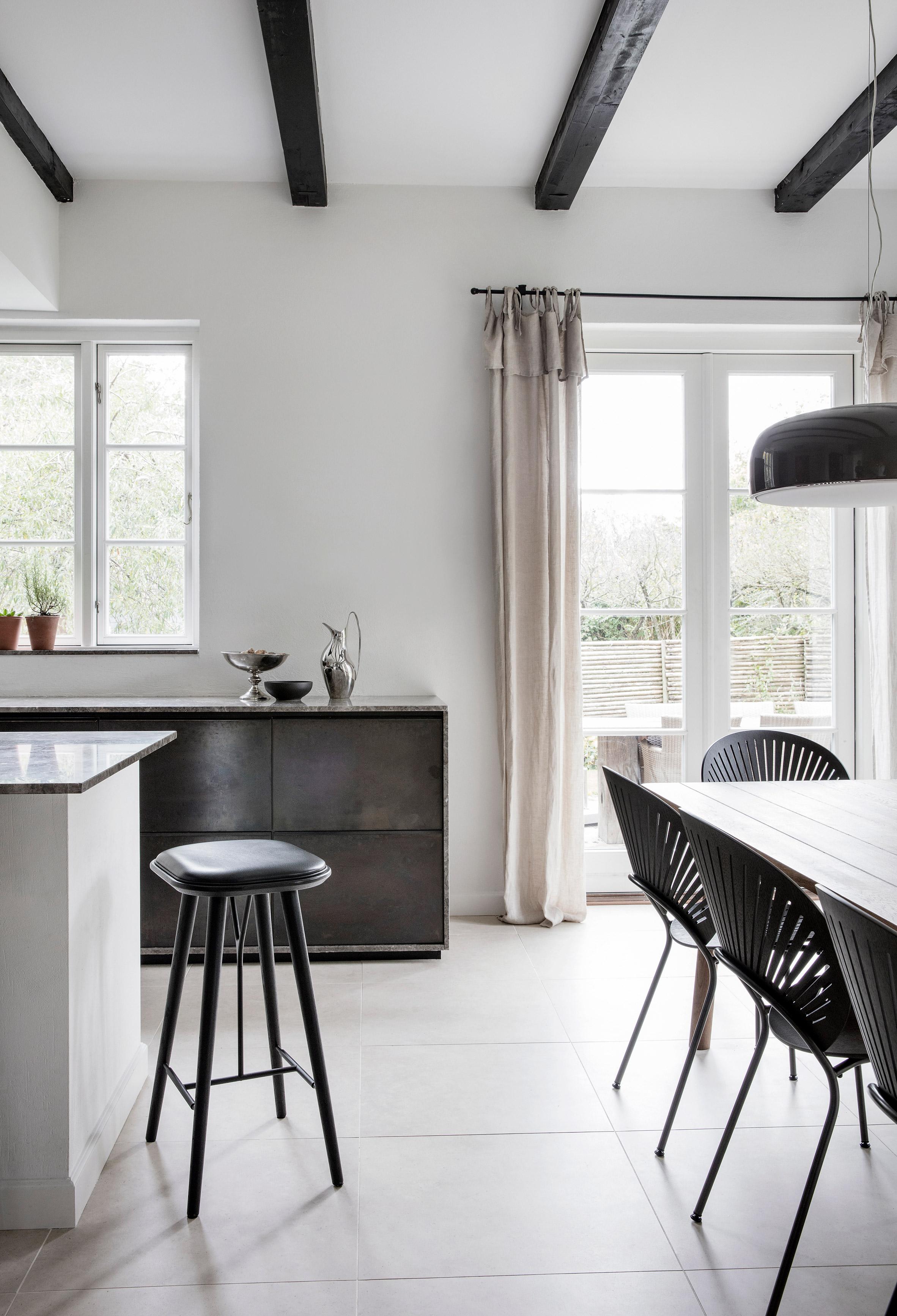 elledecoration vn nhà màu trung tính kaja-moller-home-fredericia-interiors-residential-copenhagen 3