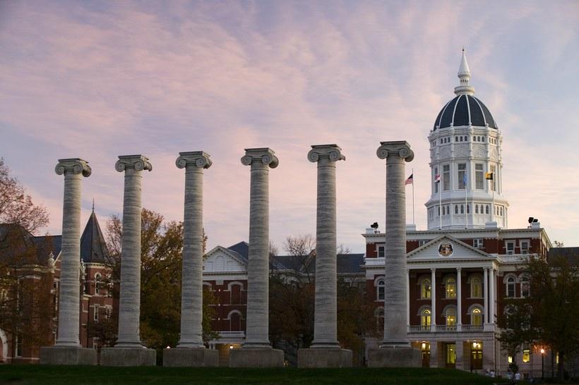 trường đại học 3