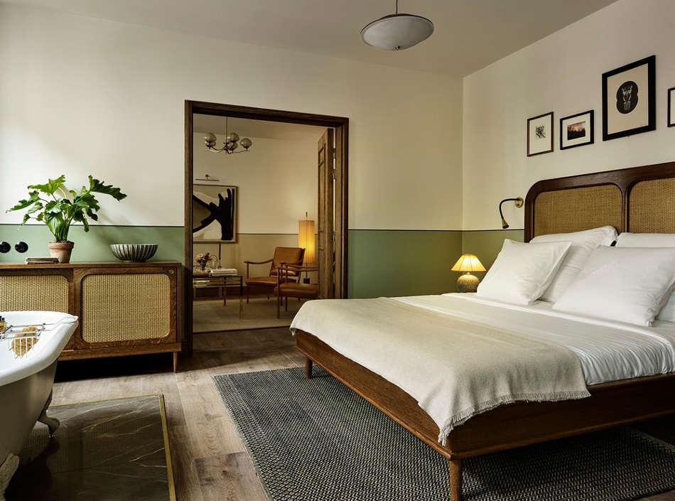 khách sạn Sanders 5