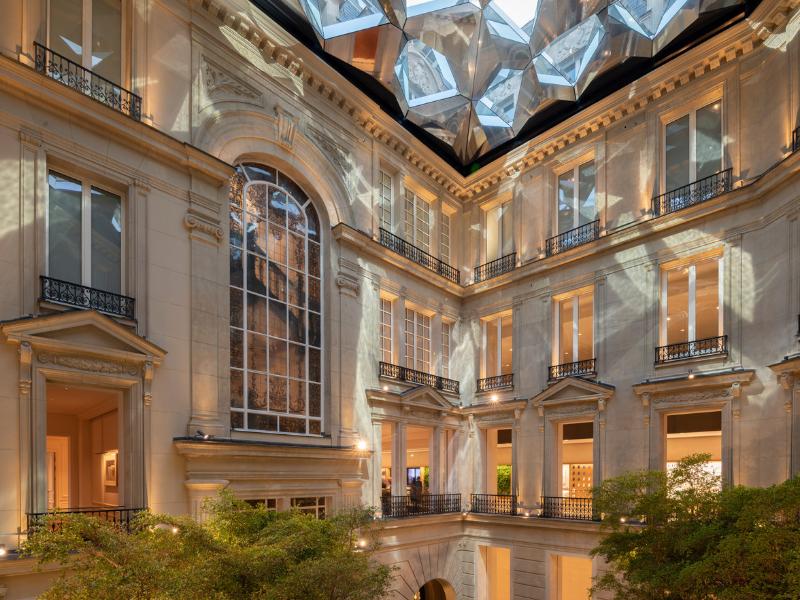 Cửa hàng Apple đầy tráng lệ ở góc đại lộ Champs-Élysées, Pháp | Fosters + Partners'