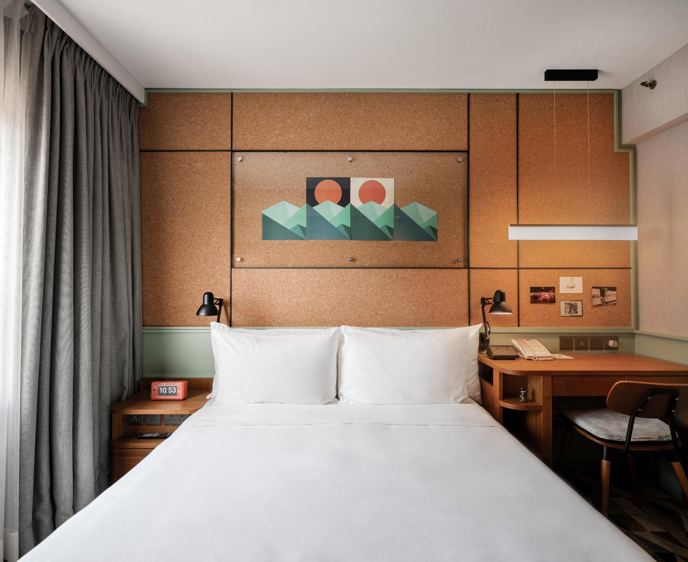 Eaton Hotel 7