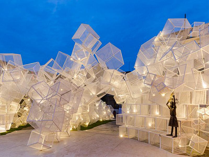 Festive Pavilion - Ấn tượng khu vườn lưới sắt lập thể