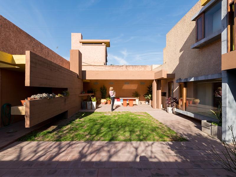 Maricel House - Những góc cạnh mềm mại
