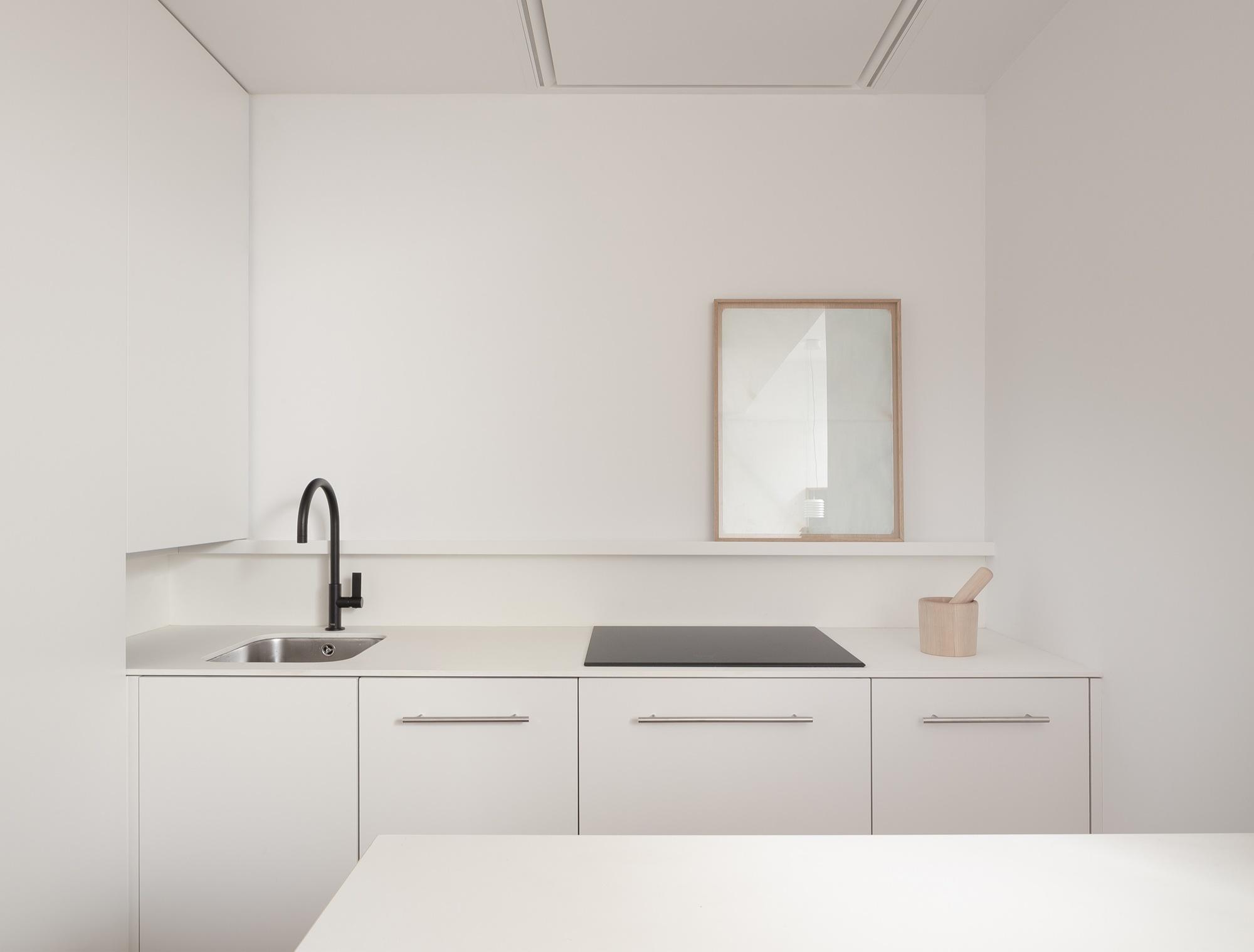 nhà tối giản nhà tối giản ana apartment house elledecoration vn 11