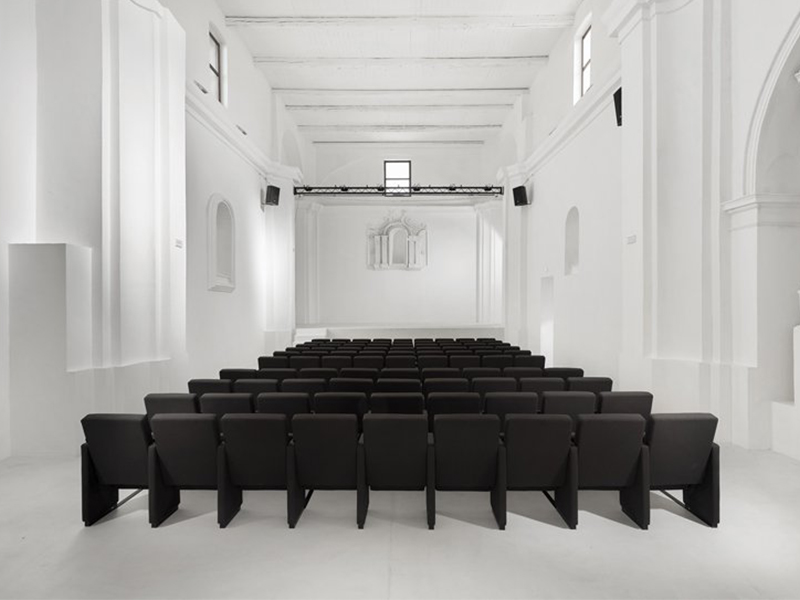 Cải tạo nhà thờ cổ vùng Molise thành rạp hát