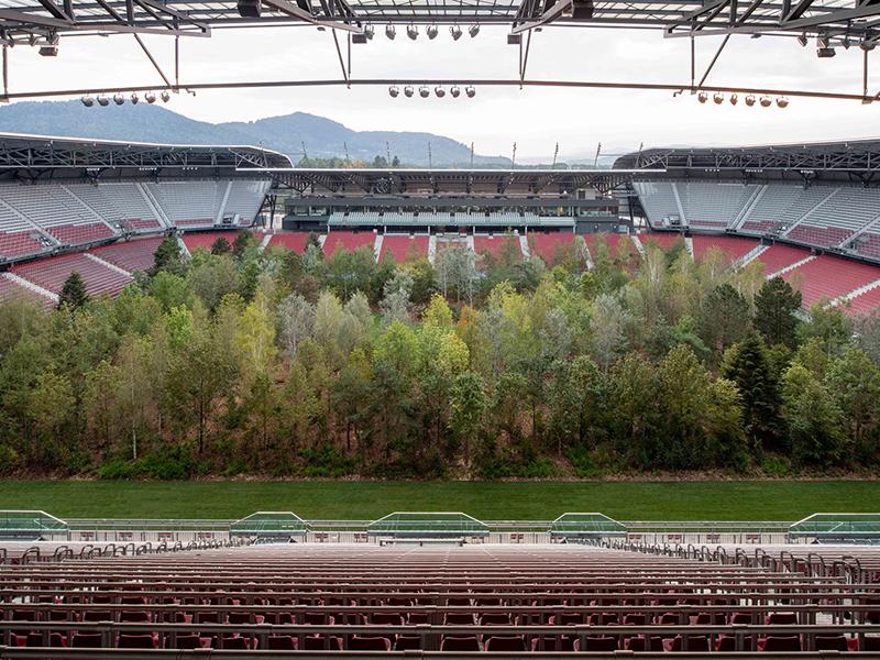 Klaus Littmann và dự án trồng rừng trong sân vận động