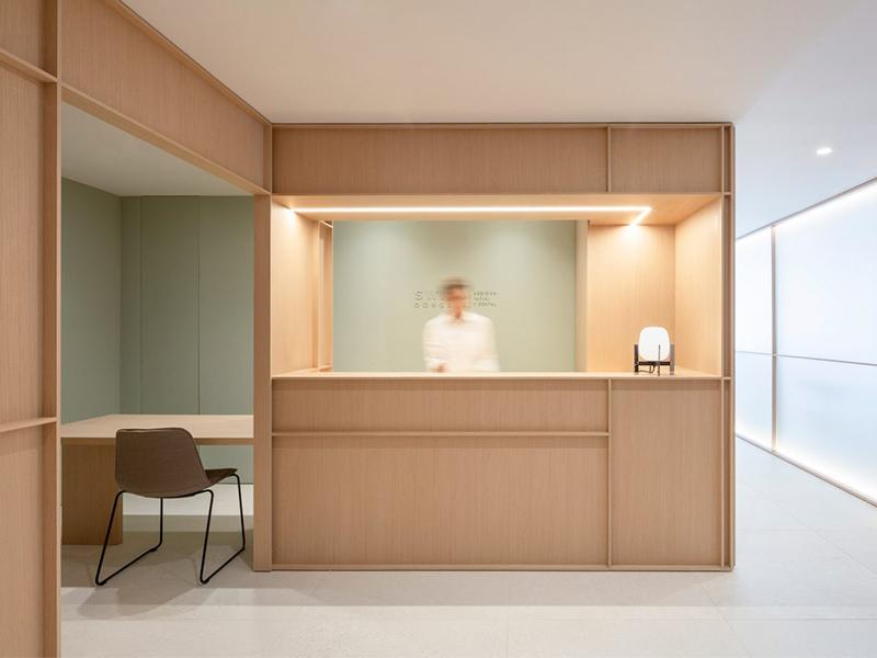 Swiss Concept - Phòng khám nha khoa tối giản