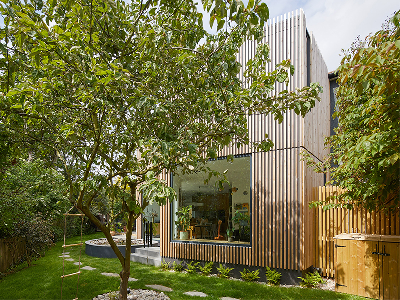 Nhà gỗ London - Cuộc sống giản đơn chốn thành thị