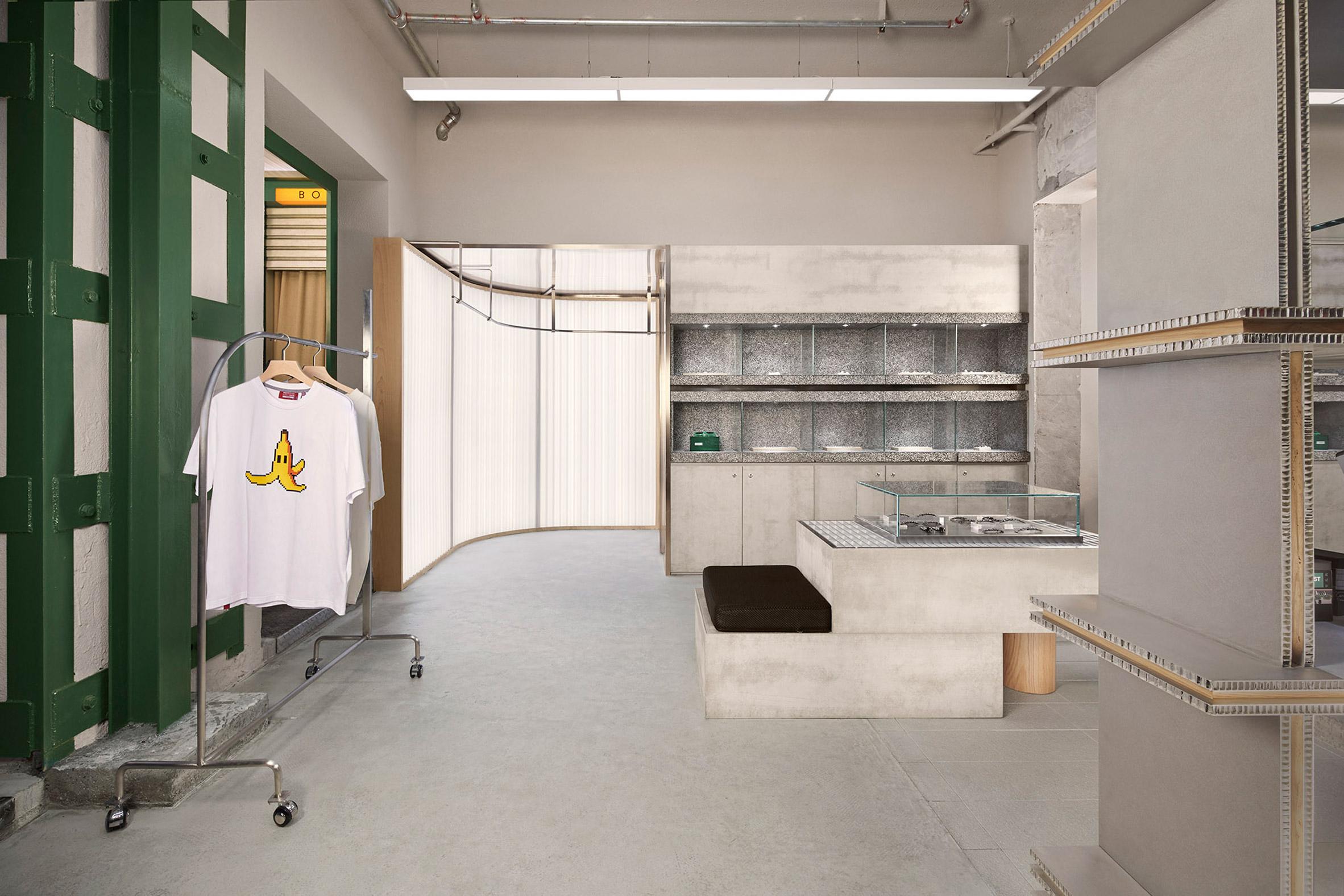 cửa hàng 2