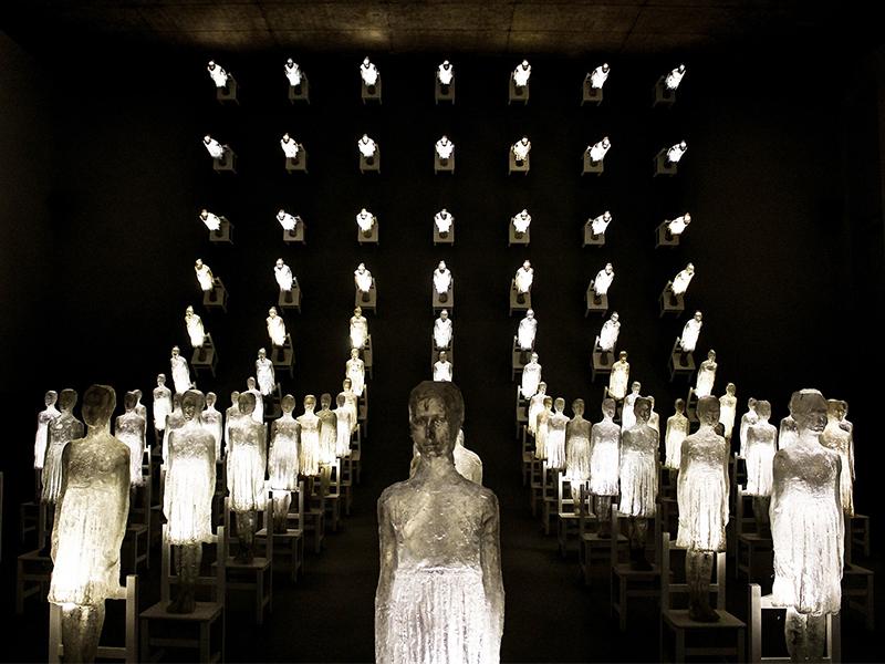 Triển lãm điêu khắc chiếu sáng của Eugenio Cuttica