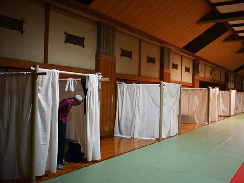KTS Shigeru Ban và chuỗi nhà giấy cho người vô gia cư