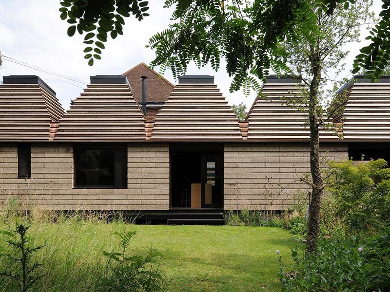Kiến trúc nhân văn cho xã hội bền vững