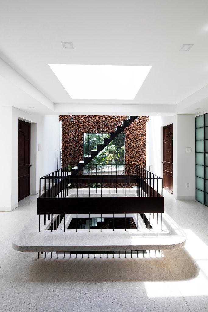 Wall house 10