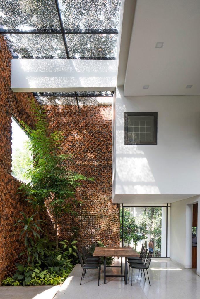 Wall house 7