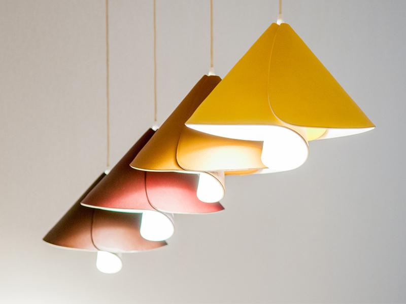 Tulip Lamp - Vật liệu ấn tượng, chiếu sáng linh hoạt